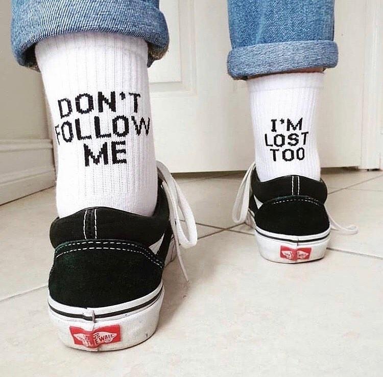 Yazılı Çoraplar